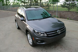 2012 Volkswagen Tiguan SUV - Loaded with Low KM