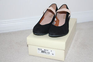 Black canvas character shoe size 5