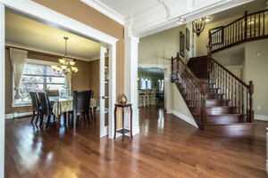 Rare opportunity! 4 brdm 3½ baths house Bedford available NOW