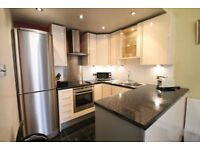 2 bedroom flat in The Grove, Ealing, W55