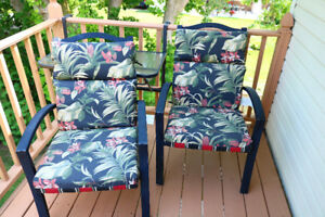 6 Patio Chairs with Cushions