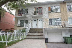 Upper 4 1/2 in the Riverside Area of LaSalle - Move in Ready!