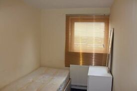 Single room to let in Hendon, NW4.
