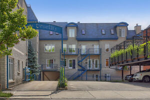 Condo - Downtown Montreal/ Border Griffontown Motivated Sellers!