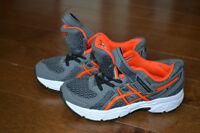 Asics running shoes size 11