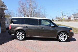 2011 Ford Flex LIMITED- AWD- Clean Clean Well Maintained