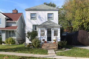 Cozy 2 Storey Detached Home in Central Newmarket on 50X100f lot