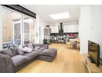 2 bedroom flat in Holloway Road, N7