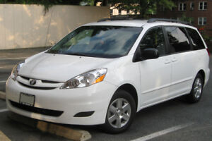 2010 Toyota sienne Le