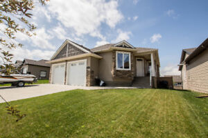 Bungalow / All Bells & Whistles / Low Taxes / AC / Heated Garage
