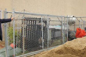6 ft Chain link fencing w accessories