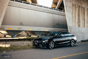 2015 Mercedes Benz C300 4matic | Fully Loaded