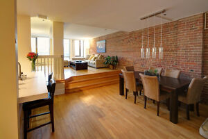 One bedroom for rent - Old Montreal - Indoor Parking - A/C