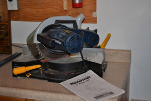 10 inch Mastercraft Mitre Saw. Very little use.