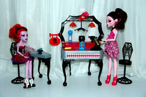 Monster High Dolls, Play Set and Accessories
