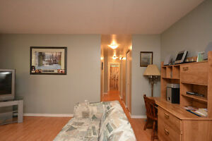 Furnished Spacious Clean Quiet 2 Bdrm apt in Dartmouth