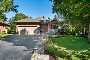 3 BED, 3 BATH BUNGALOW IN PORT 32! OPEN HOUSE SUNDAY 2-4 PM