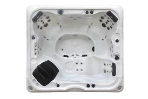 Alberta SE 57 Jet 6 Person Hot Tub DEMO