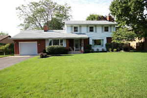 Beautiful 4 Bedroom Home in Desirable Orchard Park
