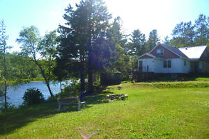 FANTASTIC COTTAGE OR 4 SEASON WATERFRONT HOME IN SERPENT RIVER !