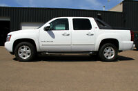 2011 CHEVROLET AVALANCHE LT Z71 4X4 LEATHER/SUNROOF LOADED!!!