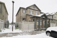 Feb 1st: Executive 1 bedroom Condo Townhouse with patio