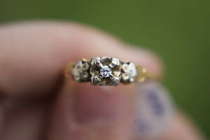 ** SWEET DEAL** 14K Gold Ring - Size 6