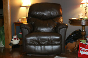 Comfortable Lazyboy  Chair/Recliner