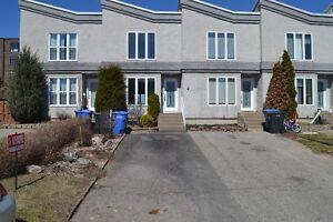 Maison à vendre Vaudreuil-Dorion 5 min. à pied du train banlieu