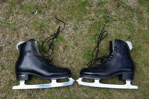 Men's Skates    Size 10   Great condition
