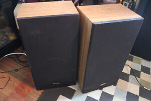 COMPLETE SANYO STEREO SYSTEM/TURNTABLE/SPEAKERS Peterborough Peterborough Area image 3