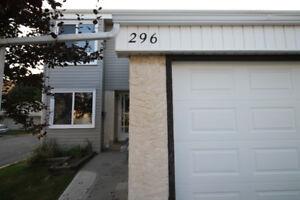 Great 4 Bedroom Townhouse Condo in St. Albert!