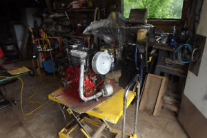 KOHLER 12 HP ENGINE RUNNING HORIZONTAL SHAFT
