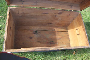Old Antique Settler's Box/Chest London Ontario image 9