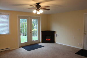 Big Bright Basement Suite*All Utilities Included