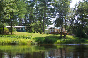 Waterfront - Off the Grid - Cottage/Home