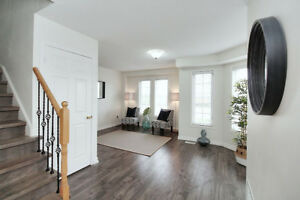 Freehold Town House In AJAX