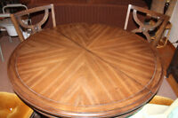 round and oval dining table with chairs
