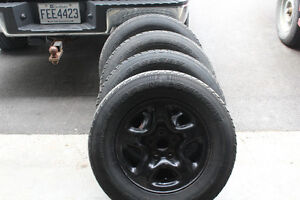 TOYO WINTER TIRES OPEN COUNTRY 225/70R16 LIKE NEW!!