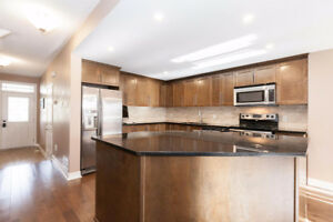 Stunning Townhome in Soho West with large designer kitchen!