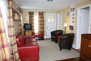 Cobourg Short Term 2 bedroom House rental, February 1