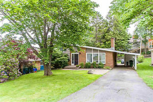 OPEN HOUSE 8 Gateway Road Sunday July 16th 2-4pm