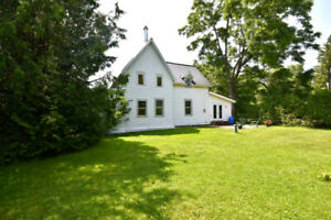 *Double Lot - Century Home in Cumberland