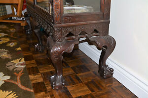 Beautiful Hand-Carved Antique Armoire/Bookcase West Island Greater Montréal image 3