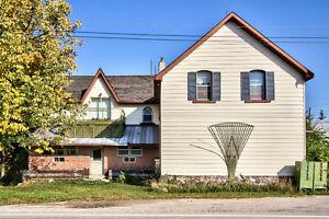 Very Spacious Family Home! Stratford Kitchener Area image 2