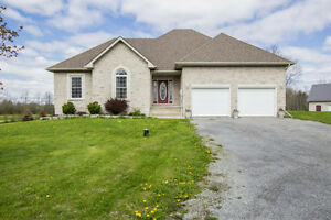 SMRT- Country Luxury Home in 5 Acres!