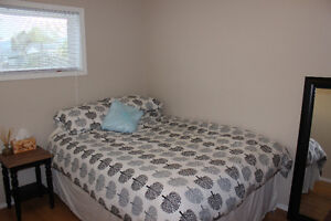 Looking for a Clean, Quiet Female Roommate, April 1