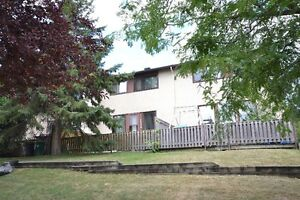 Townhome 3 beds, 2.5 baths