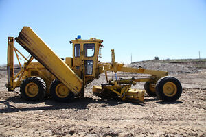 Champion 600 Road Grader - Ready for Snow!