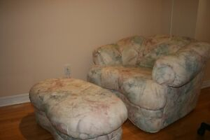 Grand fauteuil Cameo + ottoman / Large Cameo chair +footrest